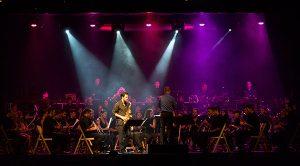 Luz para el saxo solista Xavier Larsson